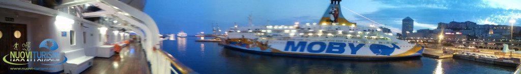 Traghetto verso la Sardegna