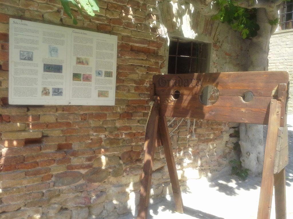 castello-di-grada-entrata