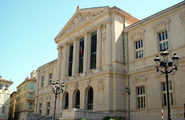 palais-de-justice-nizza-francia
