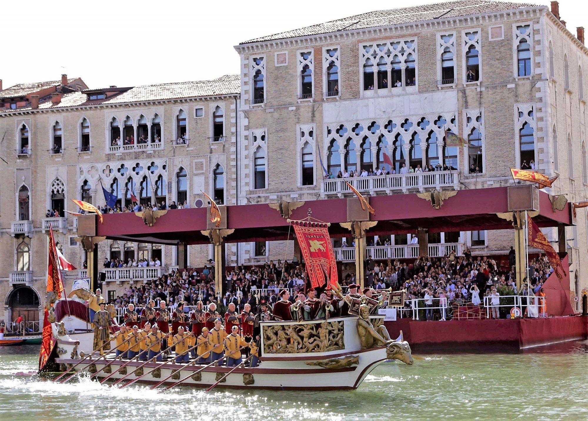 Visitare Venezia per la regata storica - Nuovi Turismi