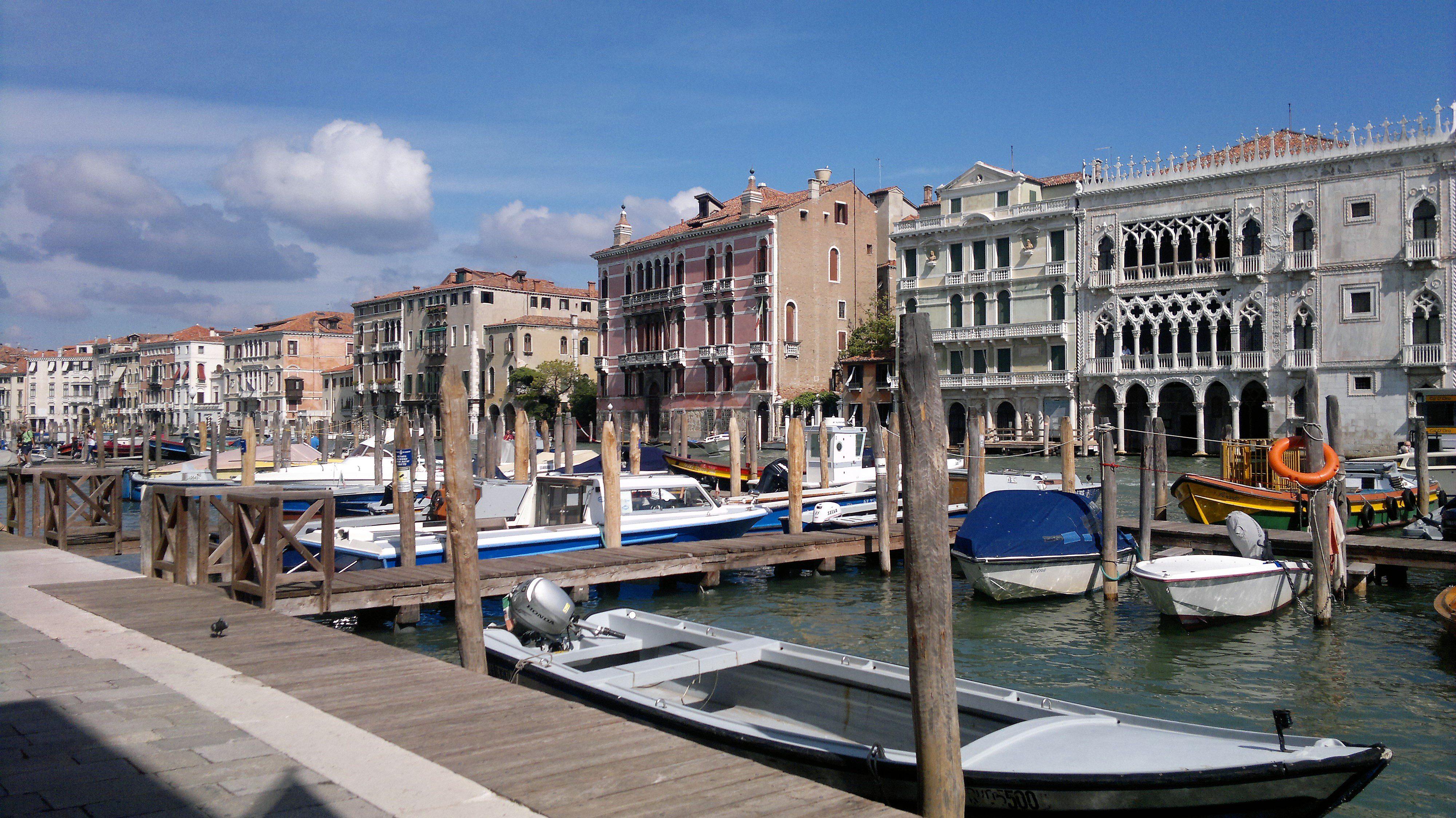 Visitare Venezia per la regata storica - i canali